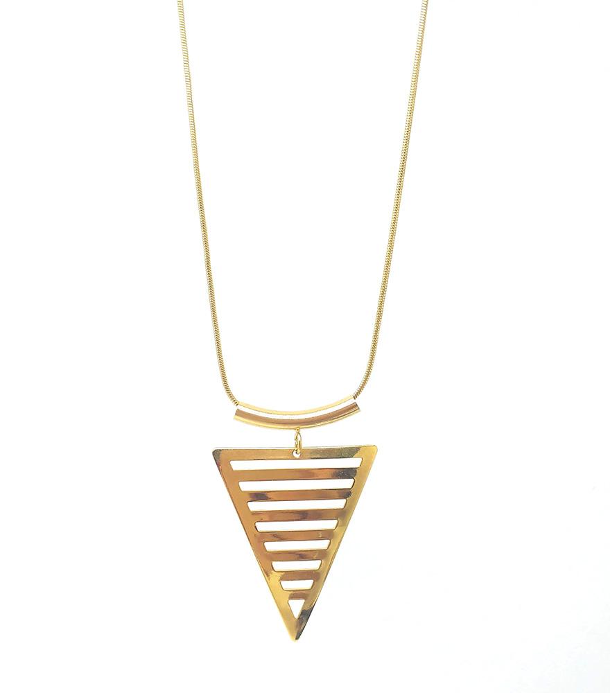 Colar triâgulo vazado folhedo a ouro 18k