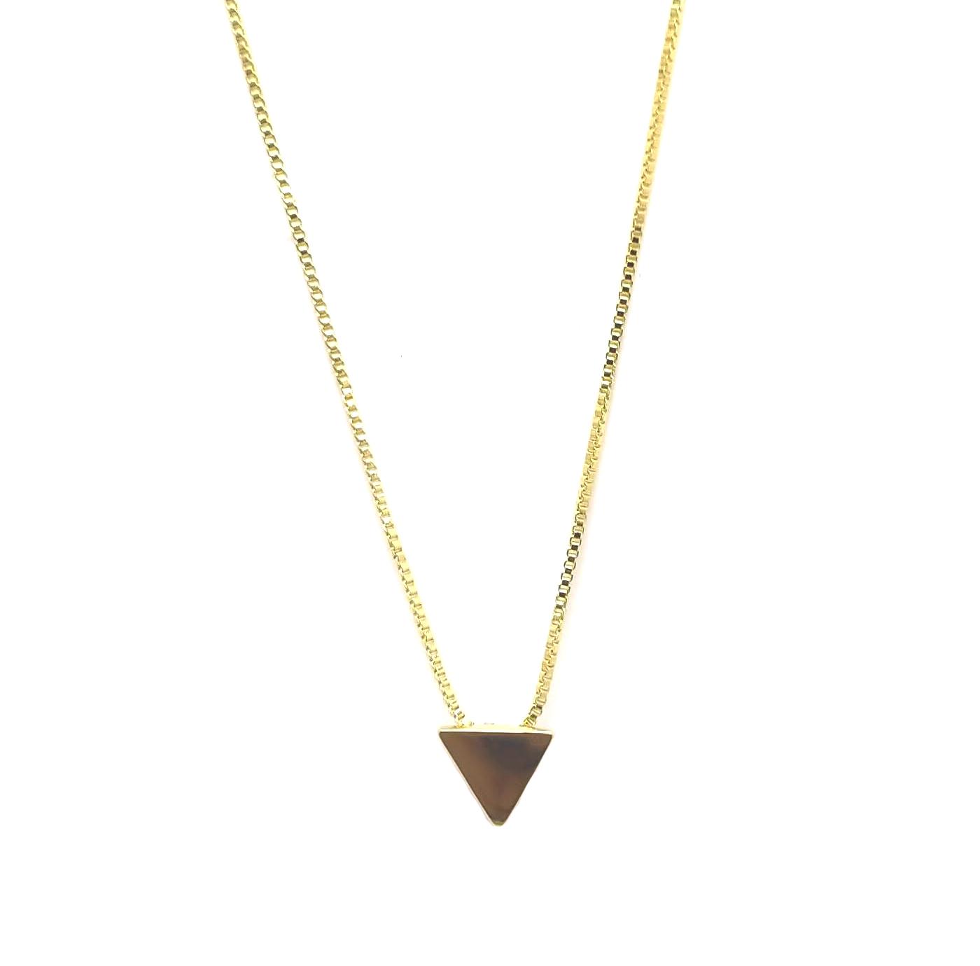 Colar com pingente triangulo folheada 18k