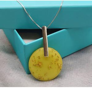 Colar em prata 925 com pedra resinada amarela