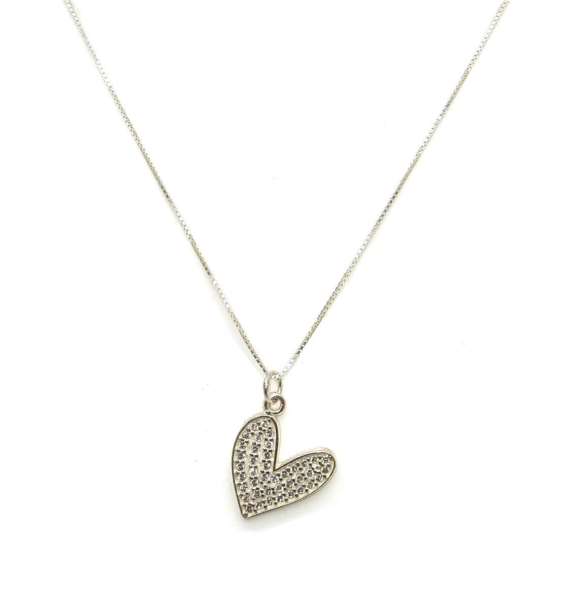 Colar Coração Cravejado em Prata