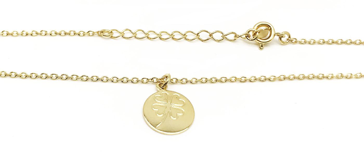 Tornozeleira com pingente trevo de quatro folha folheado a ouro 18k