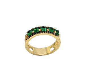 Anel Cravejado com Pedras Verdes e Negras Folheado a Ouro 18K
