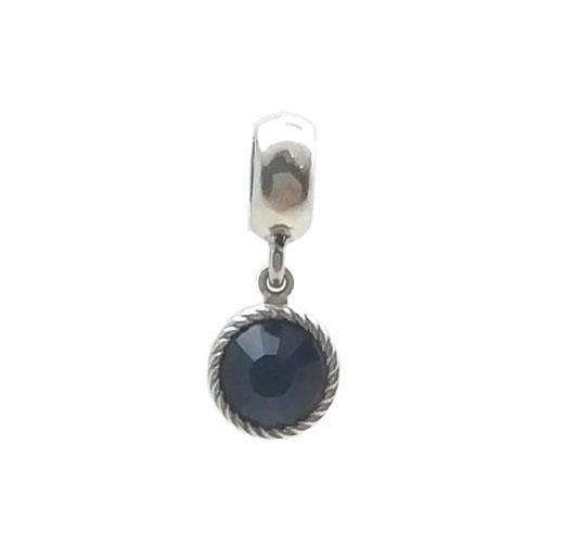 Berloque em prata com pedra negra de zircônia