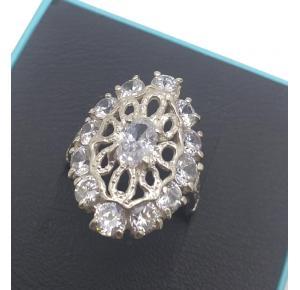 Anel Comprido em Prata com Pedras de Zircônias