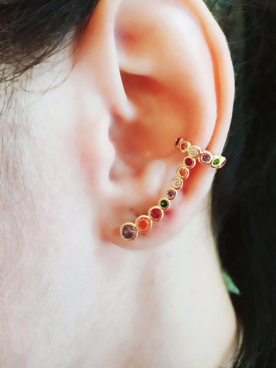 Brinco Ear Cuff com Pedras Coloridas Folheado a Ouro 18k