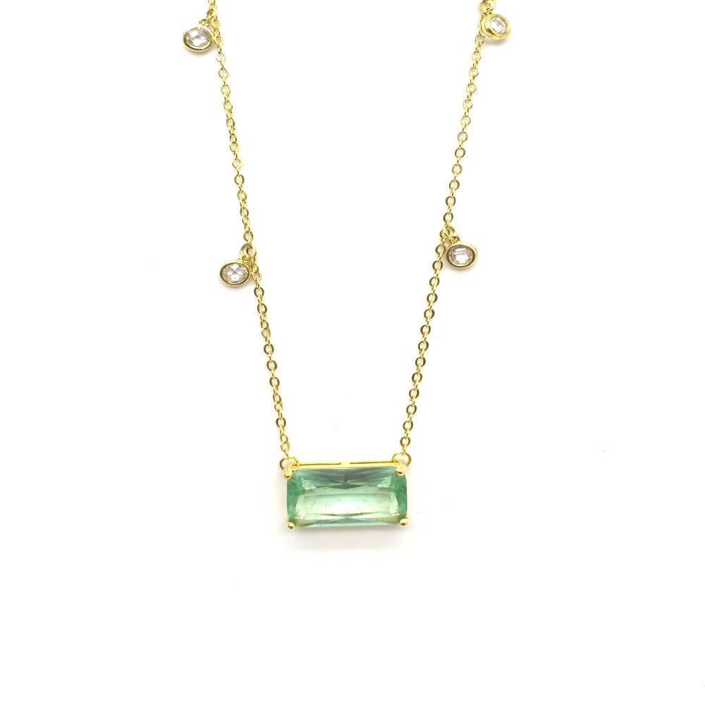 Gargantilha com Pedra Verde Retangular e Pontos de Luz Folheada a Ouro 18K